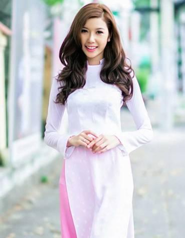 Áo dài trắng nữ sinh